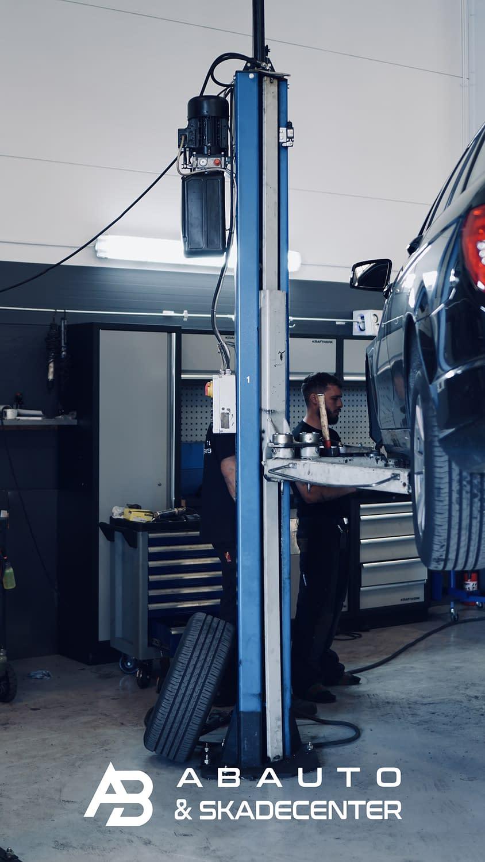 Sydhavnen mekaniker, københavn mekaniker, autoværksted i københavn, autoværksted i valby, professionel automekaniker, mekaniker, autocenter valby, autocenter sydhavnen, autocenter københavn
